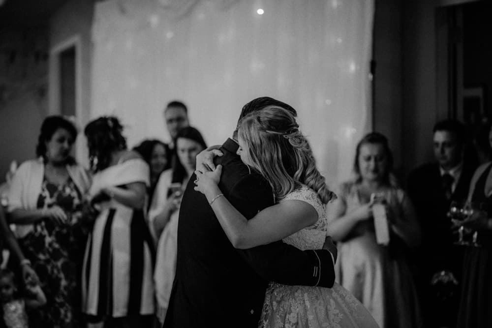 Bride and Father of the Bride have first dance